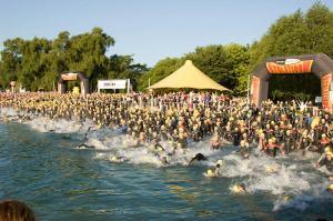 dave-masterson-ironman-swim-start